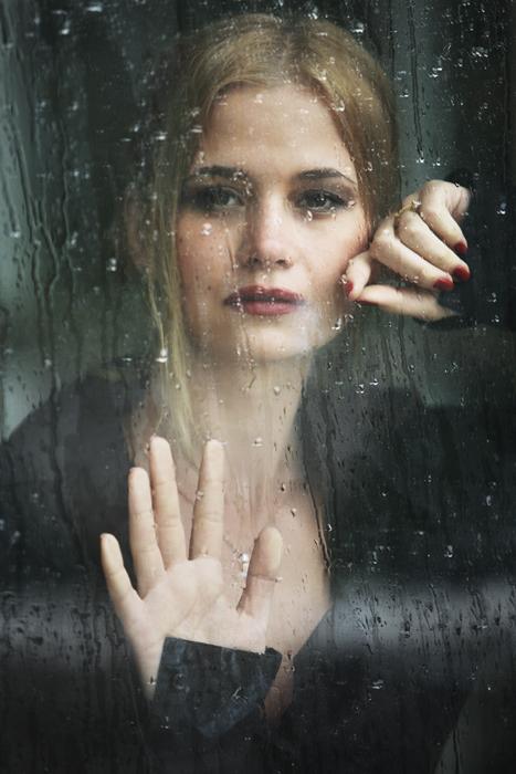 девушка и дождь...